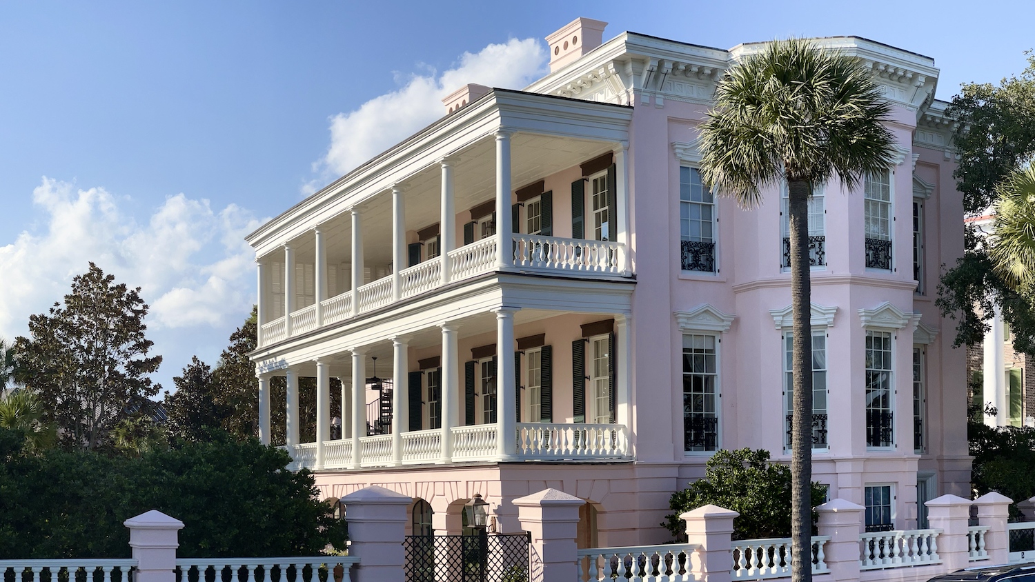 Giant old pink house on Bay Street in Charleston, SC